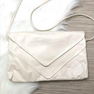 Vintage Bags - Vintage Cream Soft Leather Crossbody